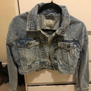 New cropped denim jacket by Cotton On